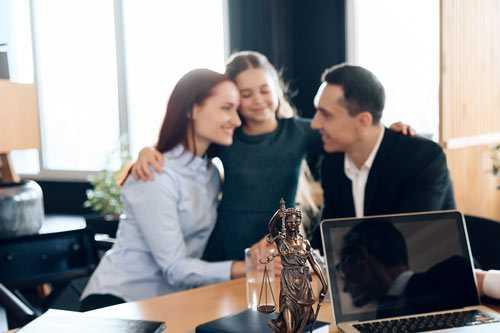 Separación familiar con hijos, en despacho de abogados madrid haciendo una consulta